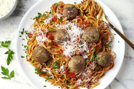 Veggie meatball marinara met spaghetti