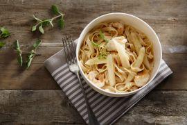 Foto van Pasta met langoustines en asperges