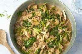 Foto van Kip met groene curry, spinazie en champignons