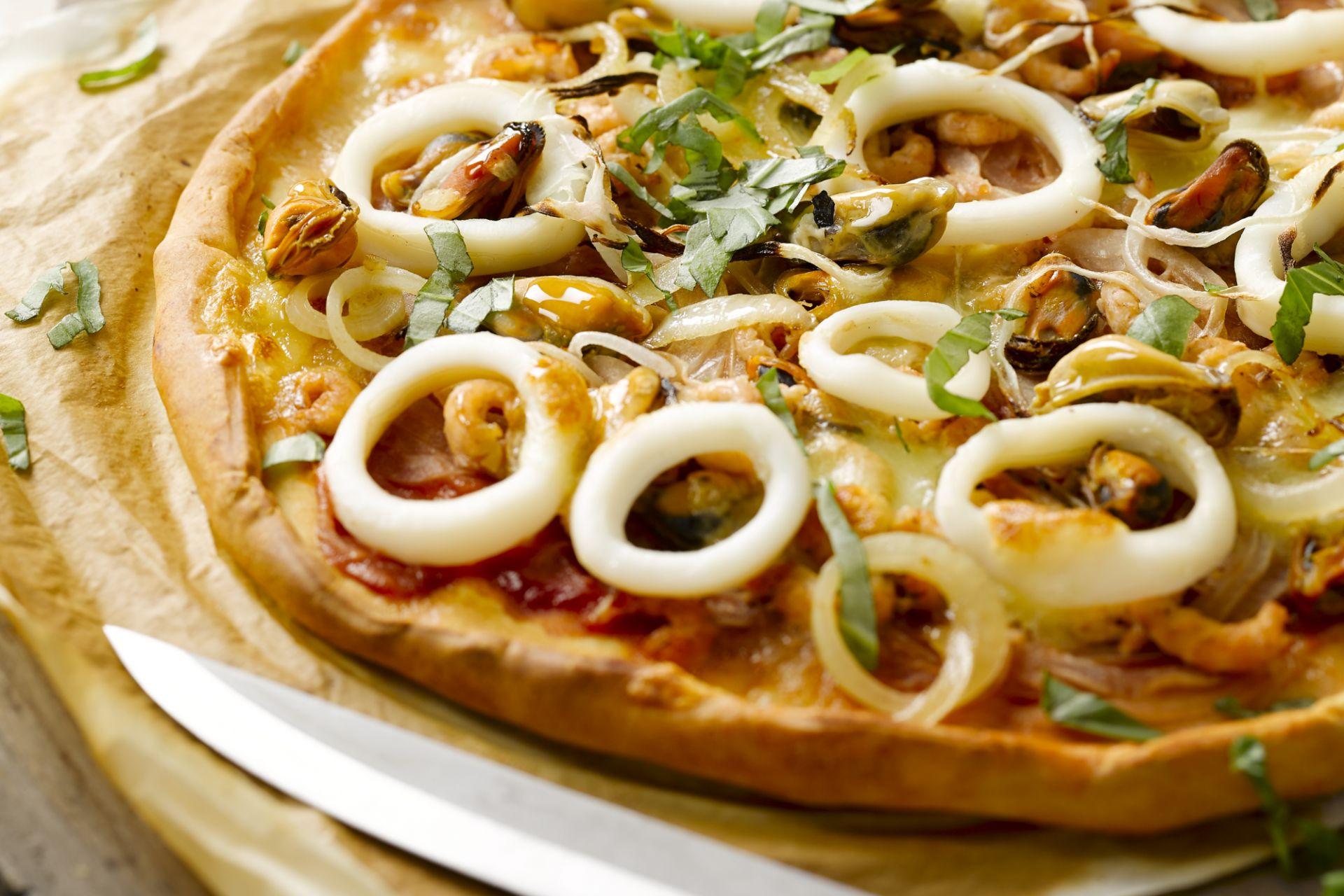 Pizza met zeevruchten