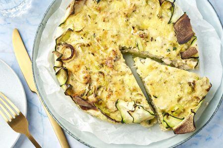 Courgette quiche met kip en prei