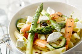 Foto van Penne met gegrilde groenten en geitenkaas