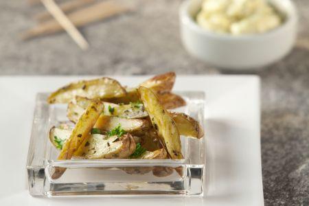 Aardappeltjes met knoflookdip