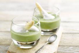 Foto van Gazpacho van witte en groene asperges