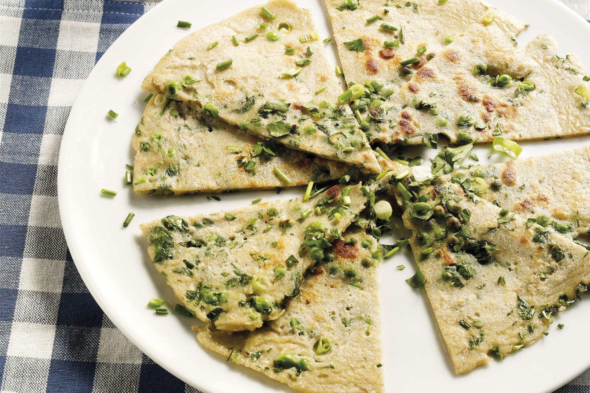 Pannenkoek met doperwtjes en kruiden