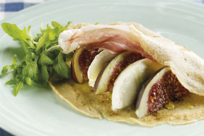 Pannenkoeken met mozzarella, vijgen en parmaham
