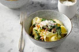 Foto van Papardelle alla carbonara met spinazie