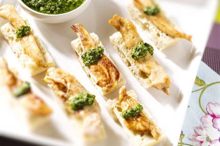 Ciabatta met gegrilde kip en salsa verde