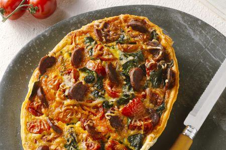 Quiche met tomaten, spinazie en chorizo