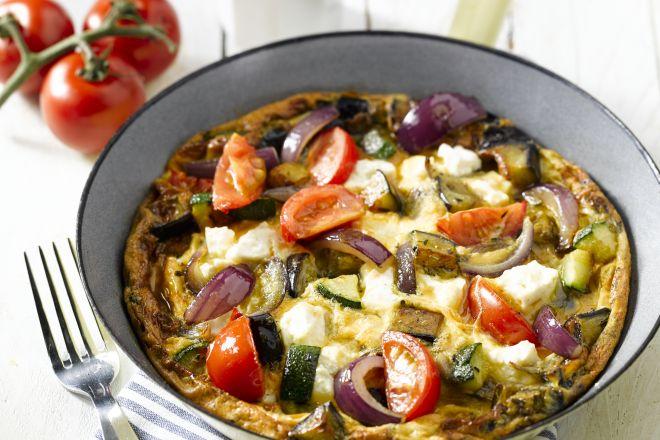 Ovenomelet met groenten en feta