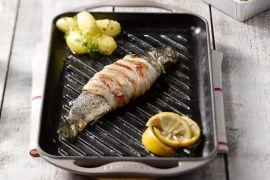 Foto van Forel met pancetta op de grill