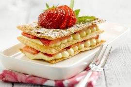 Foto van Millefeuille met aardbeien