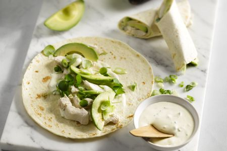 Wraps met kip en avocado