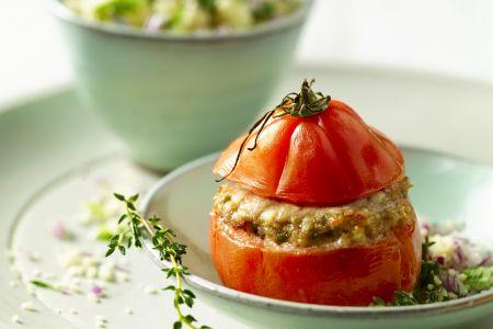 Gevulde tomaten met varkens- en kalfsgehakt en verse kruiden