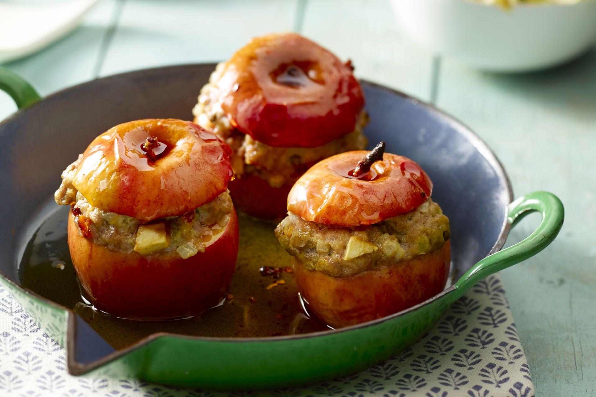 Gevulde appel met gehakt