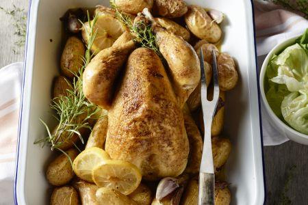 Kip uit de oven met geroosterde krieltjes