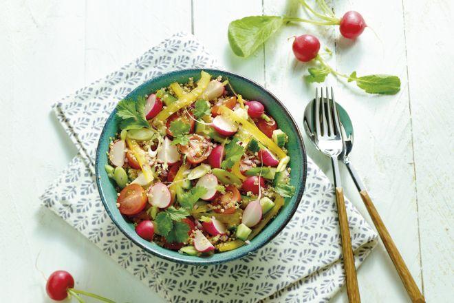 quinoasalade met frisse groentjes