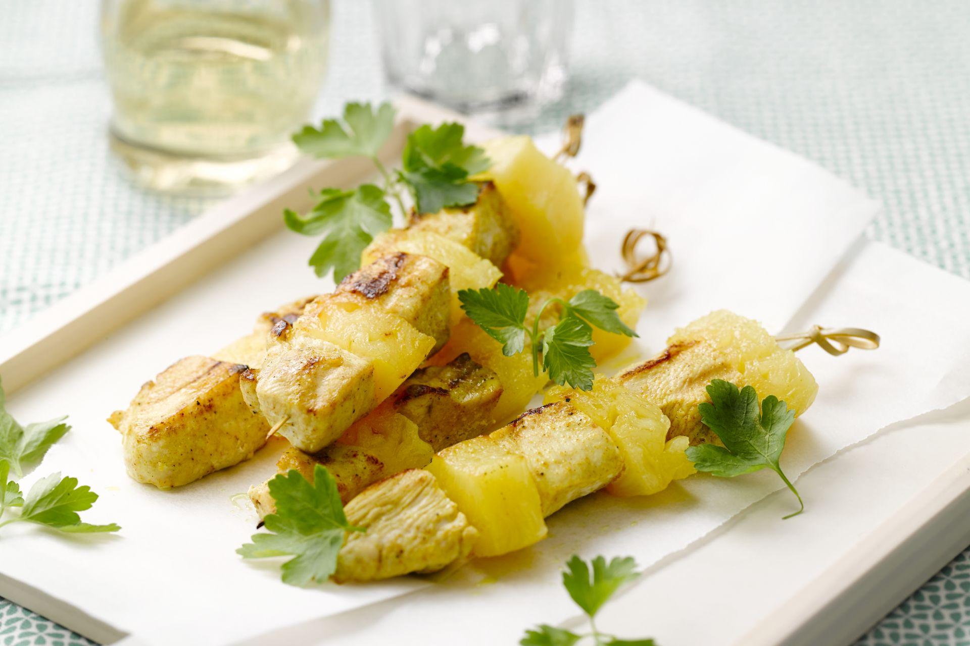 Kipspiesjes met ananas