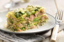 Foto van Lasagne met zalm en asperges