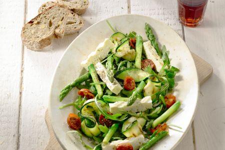 Salade van geroosterde asperges, courgettes en feta
