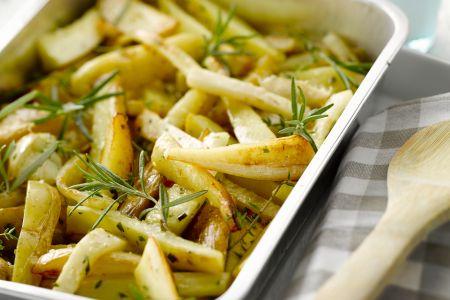 Aardappelen, knolselder en pastinaak uit de oven