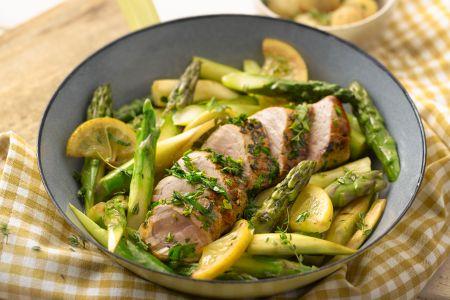 Varkenshaasje met groene asperges en citroen