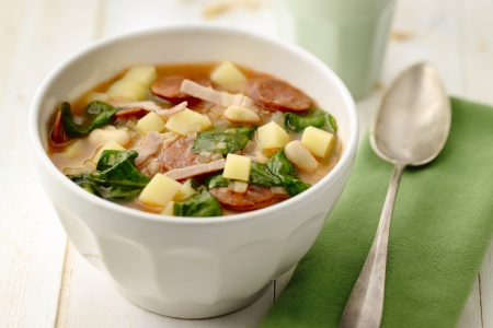 Spaanse soep met spinazie (caldo callego)