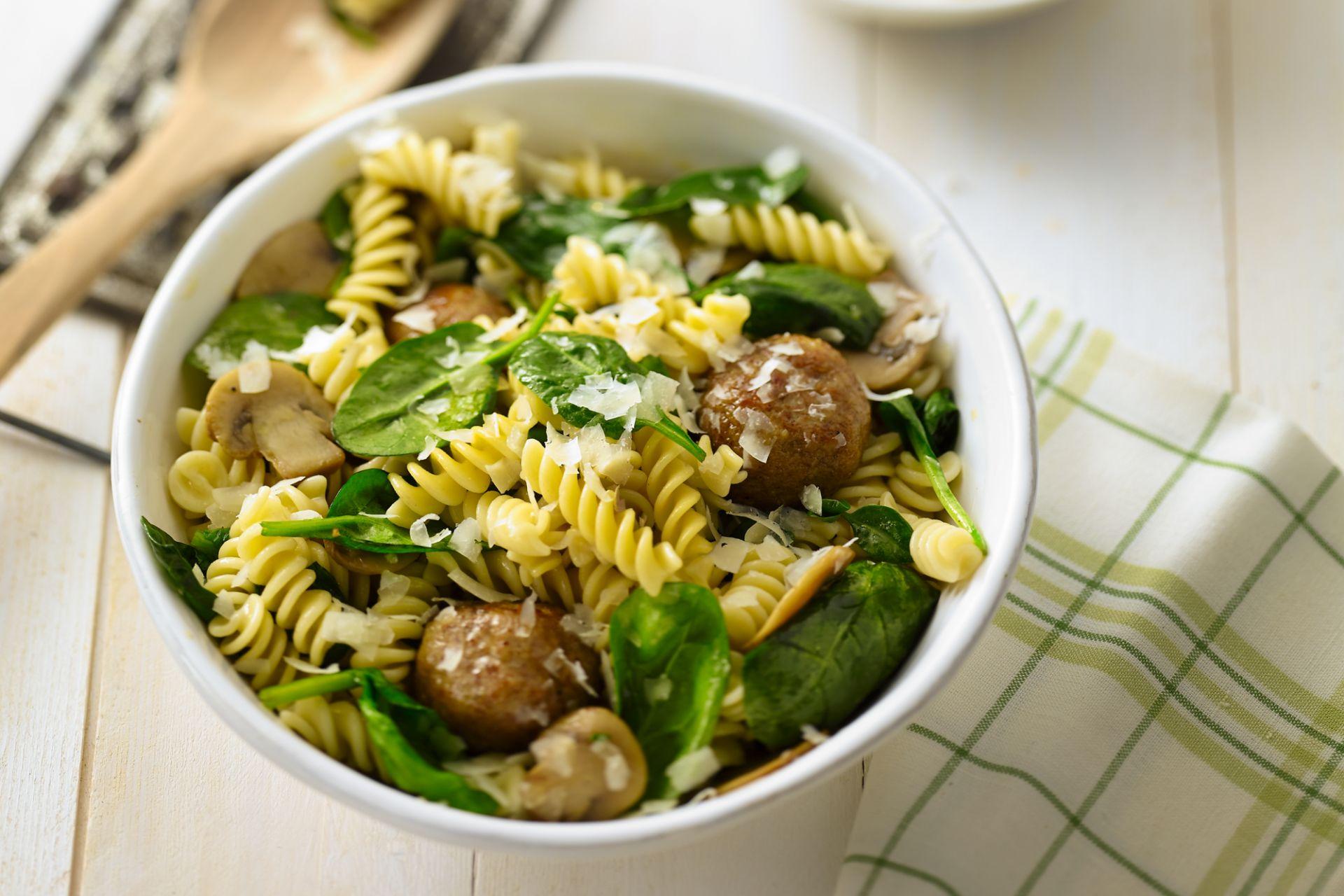Spirelli met spinazie en gehaktballetjes