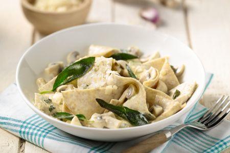 Volkoren pasta met kip en champignons