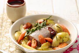 Foto van Gegrild lamsvlees met worteltjes en aardappelen