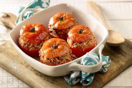 Foto van Tomaten gevuld met rijst en provençaalse kruiden
