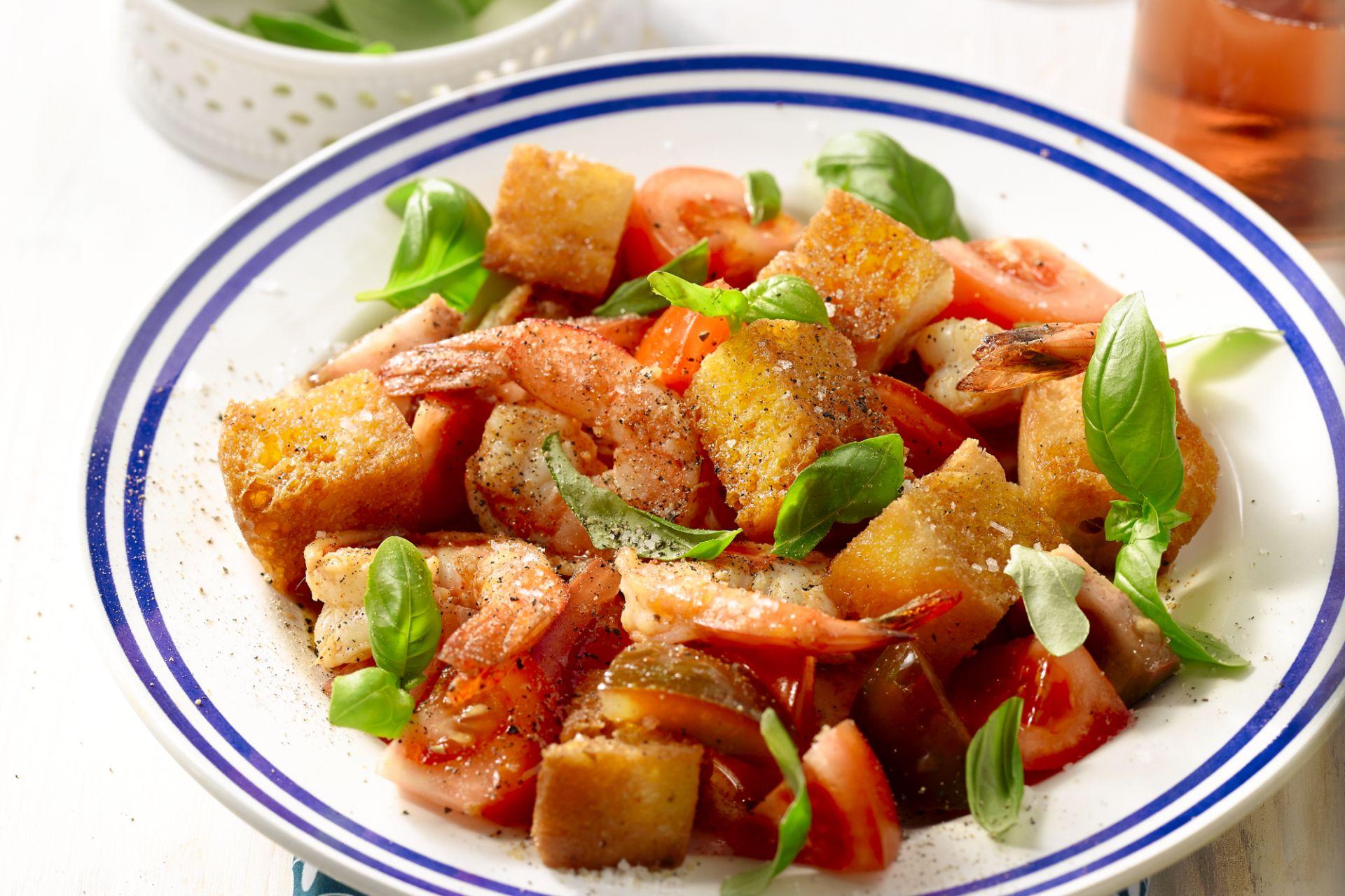 Panzanella met tomaat en scampi