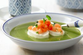 Foto van Waterkerssoep met mozzarella en tartaar van tomaat