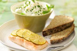 Foto van Komkommer en venkel salade met zalm