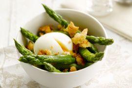 Foto van Asperges met zachtgekookt ei