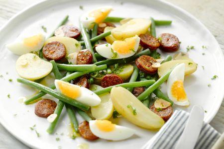 Eiersalade met chorizo en boontjes