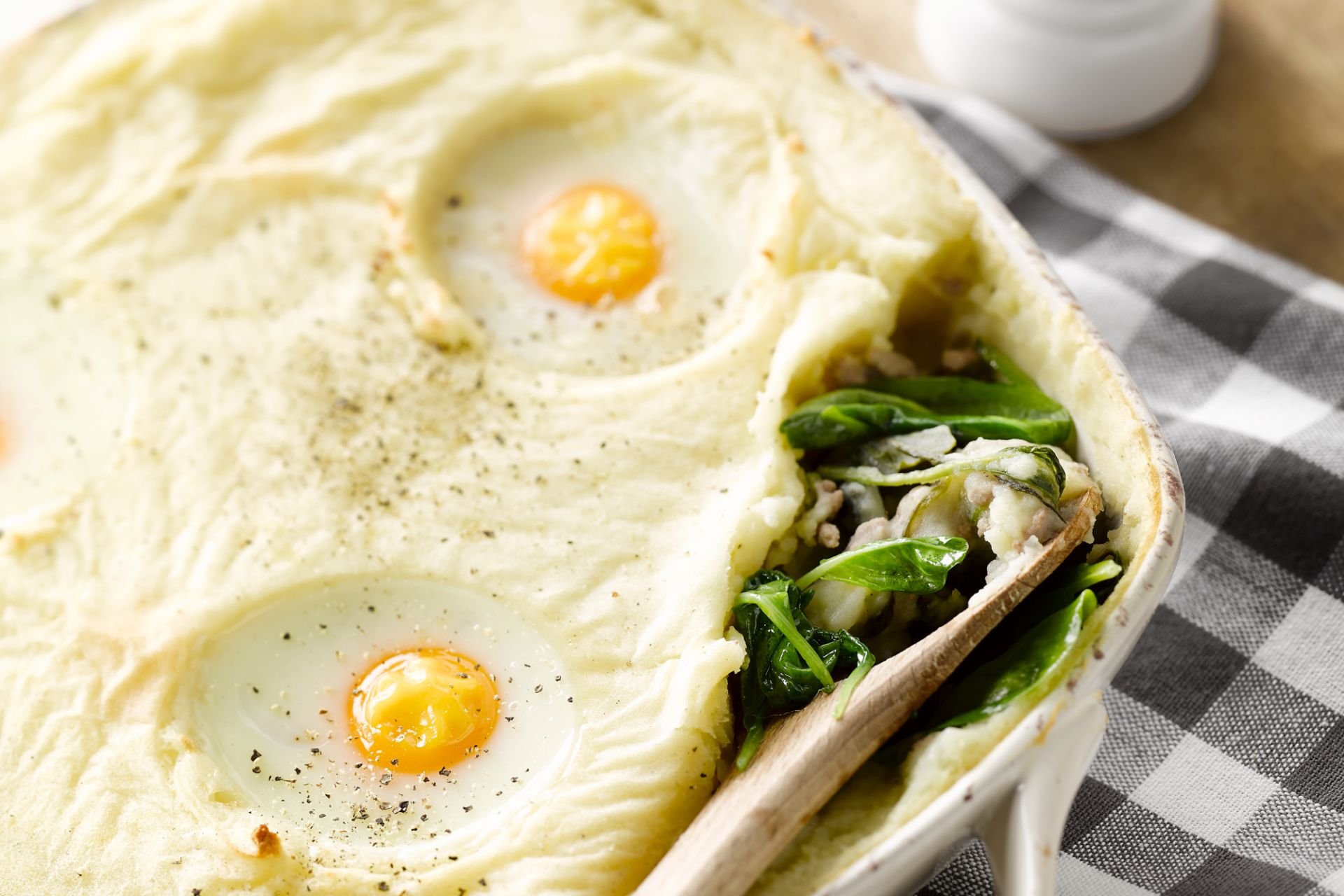 Spinazie ovenschotel met gehakt en eieren