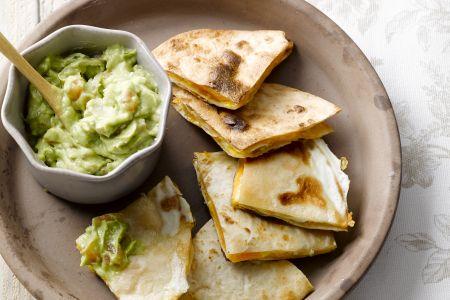 Quesadillas met ei en chili guacamole