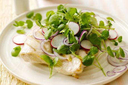 Gegrilde kip met een salade van waterkers