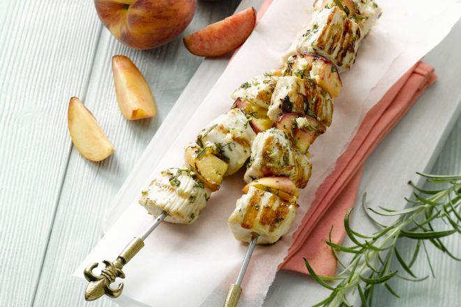kebabs van kalkoen met perzik en rozemarijn