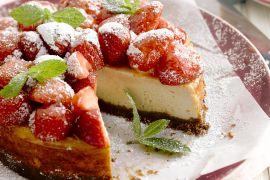 Foto van Cheesecake met aardbeien
