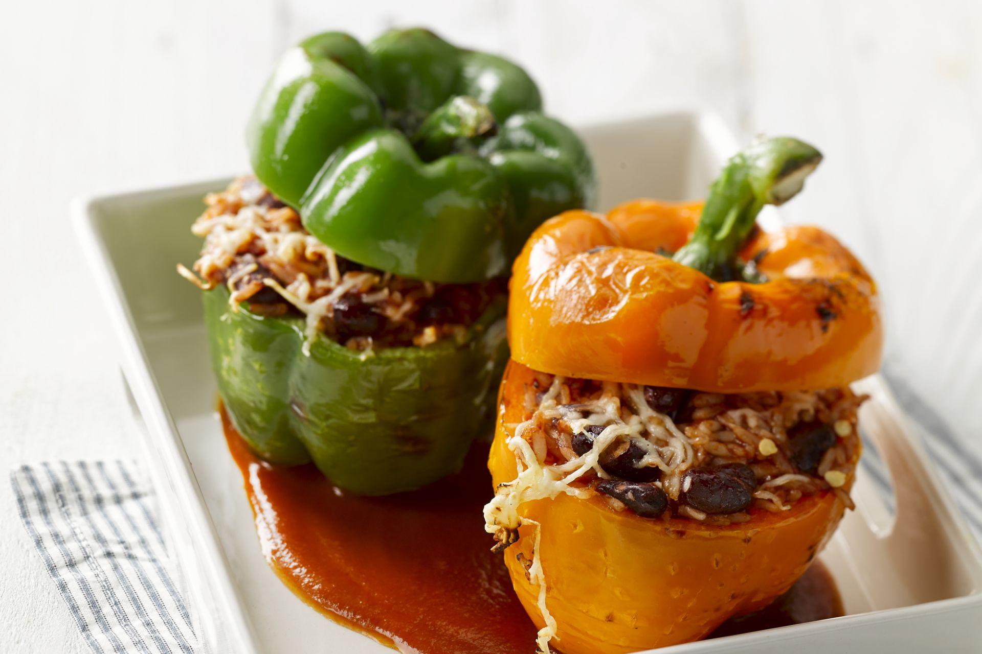 Gevulde paprika met rijst en bonen