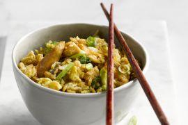 Foto van Nasi met kip en ei
