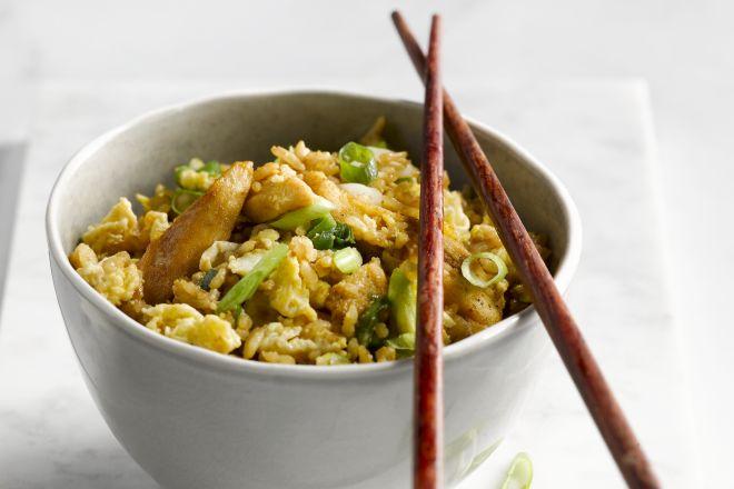 Nasi met kip en ei