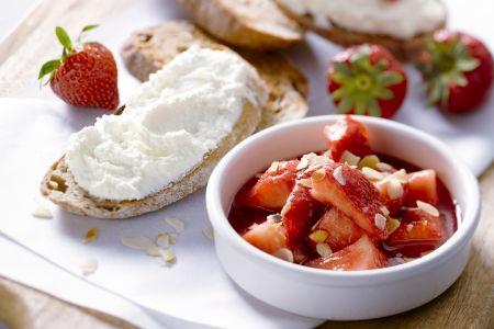 Bruschetta met aardbeien