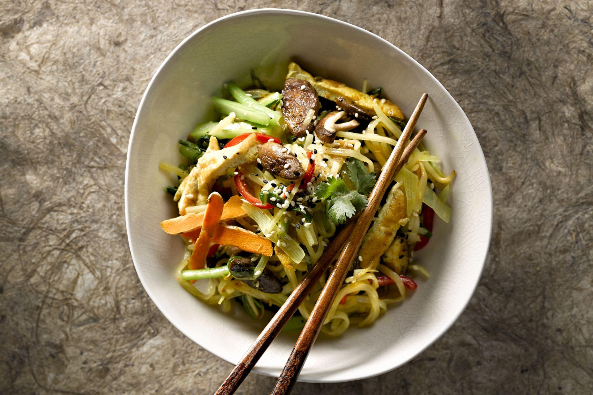 Gebakken rijstnoedels met groenten