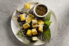 Foto van Gefrituurde tofu met sojasaus-citroengras dressing