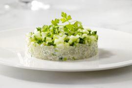 Foto van Tartaar van sint-jakobsvruchten met komkommer
