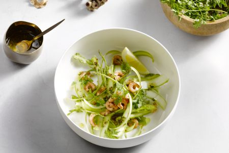 Carpaccio van groene asperges met kruidenvinaigrette