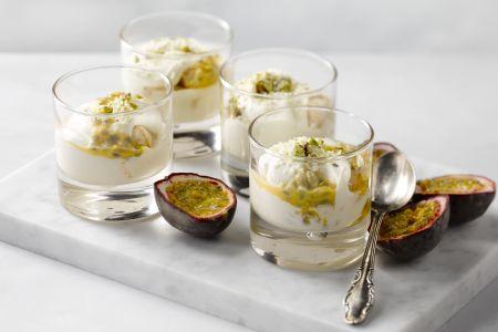 Tiramisu met passievrucht en pistache